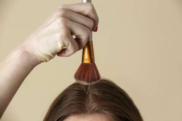 Recette shampoing sec pour cheveux foncés, blonds et roux