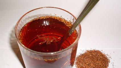 Le rooibos s'utilise aussi aisément que le thé, et il en devient une boisson agréable et désaltérante.