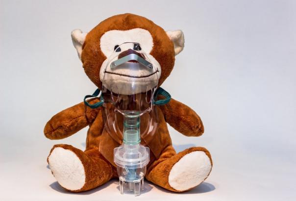Seule, une inhalation sèche réalise à la fois la décongestion et la désinfection des muqueuses, apportant au patient un soulagement immédiat.
