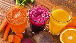 Les jus : un apport massif de nutriments comme les vitamines, les minéraux, les enzymes, les acides aminés, les glucides...