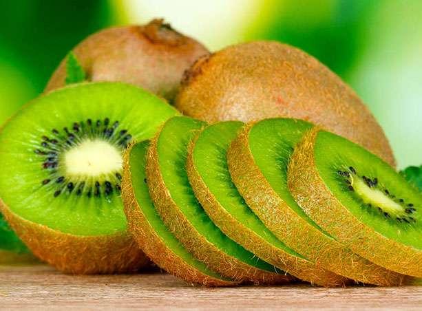 Composé de plus de 80 % d'eau, le kiwi est peu calorique.