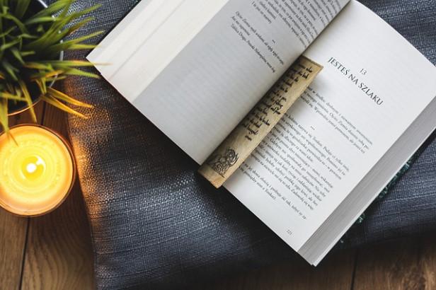 Livres : Cuisiner avec le feu, Croque la vie et Index thérapeutique pour les pathologies courantes