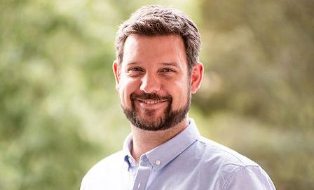 Dr Daniel Caroff