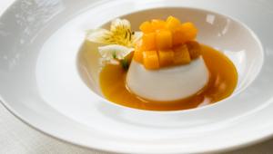 Renversé au yaourt et à la mangue