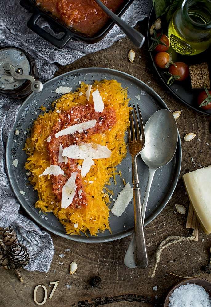Courge spaghetti à l'italiennne & sauce tomate