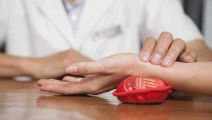 Prise du pouls en médecine chinoise