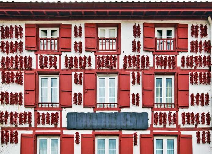 Espelette rouge - piments - séchage - maison Basque