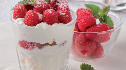 Mousse au cream cheese et petits fruits rouges