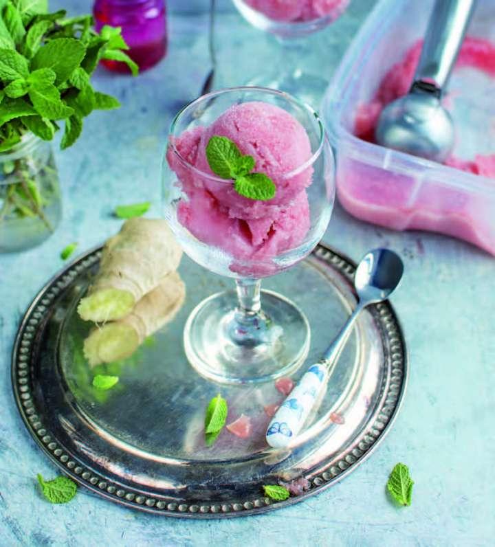 Sorbet à la rhubarbe parfumé au gingembre