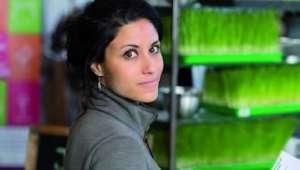 Stéphanie Serre conseille de boire le jus d'herbe de blé pur