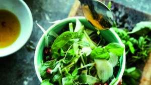 Salade de fenouil et de mesclun à la grenade