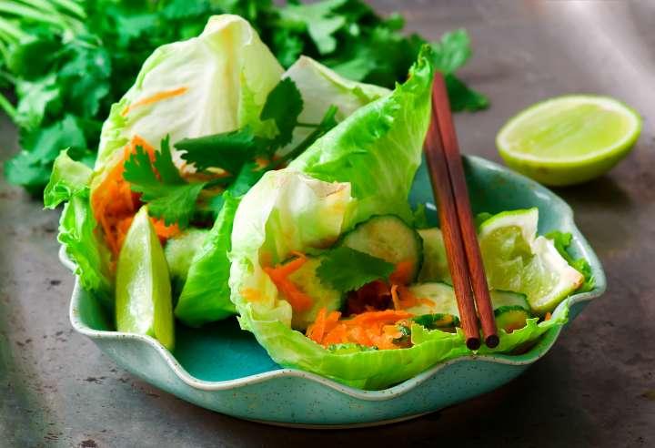Déjeuner - entrées : Salade de concombres et carottes à la thaïlandaise