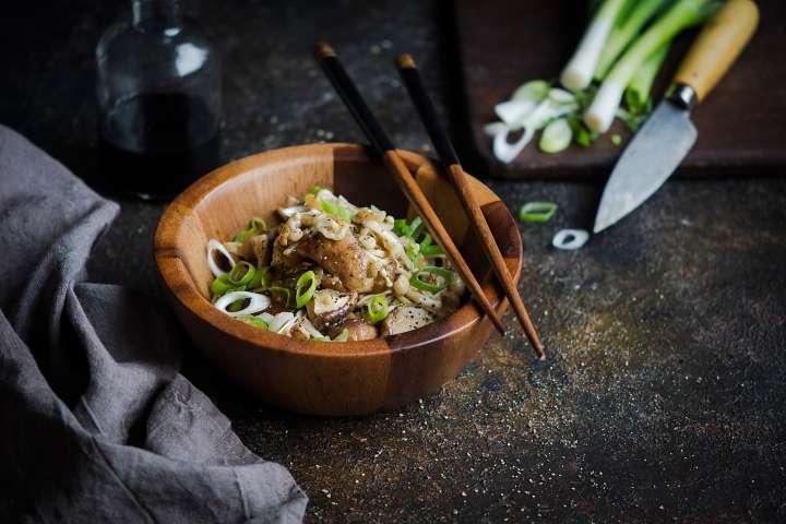 Sauté de champignons japonais